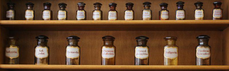 Medikamentenflaschen