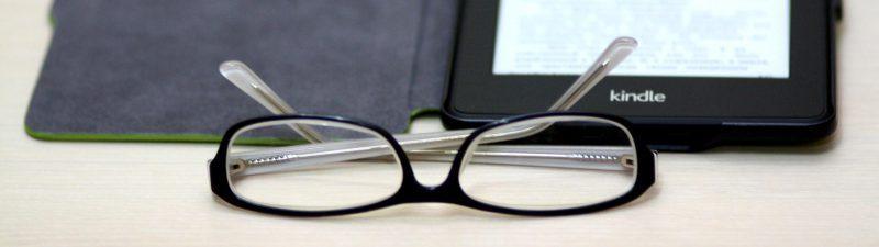 Kindle mit Brille